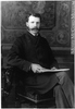 Titre original :  Photograph Dr. Alexander Dougall Blackader, Montreal, QC, 1882 Wm. Notman & Son 1882, 19th century Silver salts on glass - Gelatin dry plate process 17 x 12 cm Purchase from Associated Screen News Ltd. II-63623 © McCord Museum Keywords:  male (26812) , Photograph (77678) , portrait (53878)